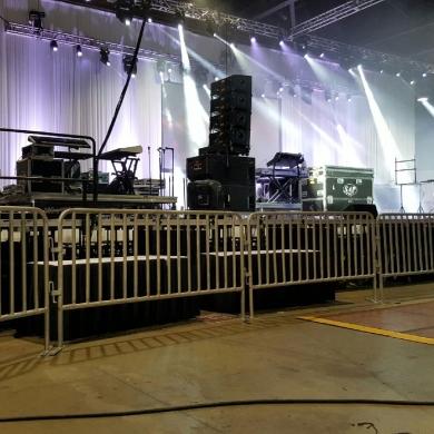 3-Barricades-Concert-2